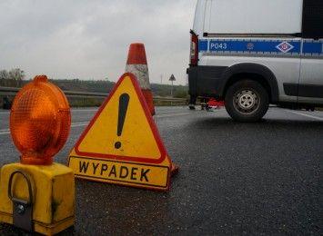 Zablokowana DK91 po porannym wypadku w miejscowości Topisz