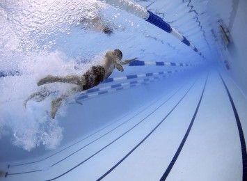 Młodzi pływacy z klubu Orka z sukcesami i miejscem do treningów, ale...