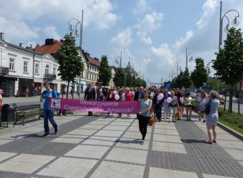 Miasteczko profilaktyczne - symboliczny marsz i rozmowy o zdrowiu