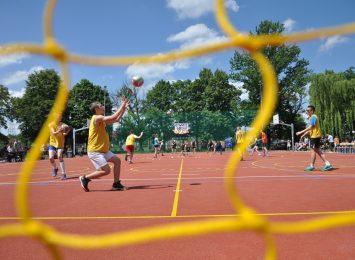 Miasto chce zbudować trzy kolejne boiska przy częstochowskich szkołach
