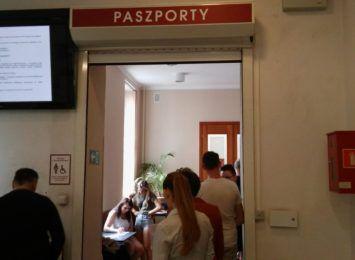 """Gigantyczne zainteresowanie paszportami. Urząd Wojewódzki organizuje """"paszportową sobotę"""""""