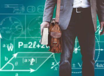 W częstochowskich szkołach pozostało 29 etatów do obsadzenia. Brakuje młodych nauczycieli, głównie przedmiotów zawodowych