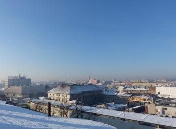 Dziś (01.12.) w nocy znów notowano fatalny poziom zanieczyszczeń nad miastem