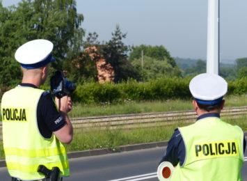 Od rana policjanci w Częstochowie i regionie prowadzą akcję kaskadowych pomiarów prędkości