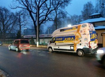 Prezenty dla kierowców prosto z naszego Świątecznego Kampera Radia Jura!