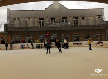 Ferie z Radiem Jura. Na inaugurację odwiedziliśmy lodowisko przy Boya-Żeleńskiego