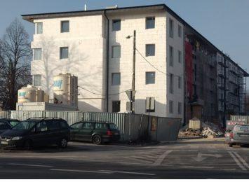 Budowa bloku miejskiego idzie zgodnie z planem