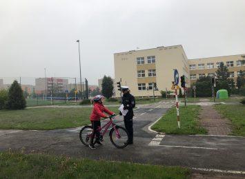 Deszczowy egzamin na kartę rowerową