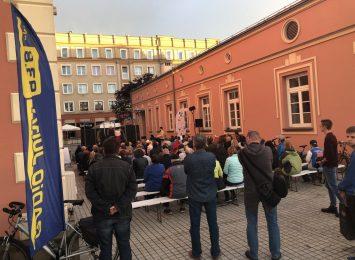 """Aleje-tu się dzieje!: Teatr Persyflaż jako """"Alternatywa między ścianami"""""""