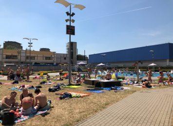 Pływalnia Letnia przy Dekabrystów działa i nadal cieszy się popularnością!