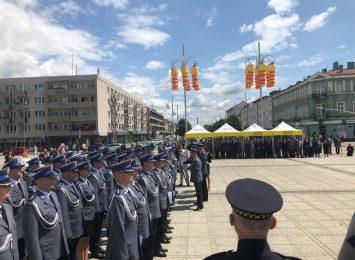 Policjanci świętowali na Placu Biegańskiego