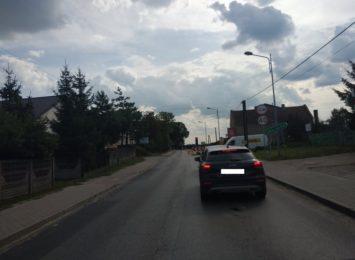 Spore utrudnienia na drodze między Wolą Kiedrzyńską a Cykarzewem w gminie Mykanów
