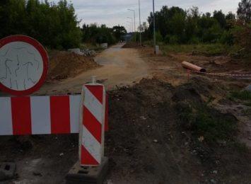 Przebudowa ul. Łódzkiej potrwa jeszcze do przyszłego roku, poinformował zarząd dróg