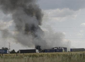 Kilkanaście godzin trwała akcja gaśnicza pożaru śmieci w Myszkowie [FOTO]