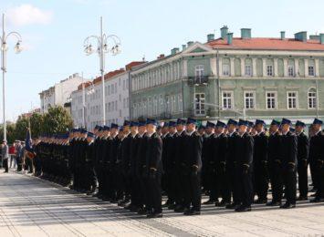 Przyszli podoficerowie Państwowej Straży Pożarnej ślubowali na Placu Biegańskiego