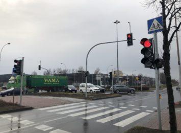 Nowe światła na niby-rondzie przy Jagiellońskiej już działają
