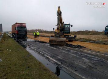 Ogromne korki po zderzeniu dwóch ciężarówek na DK1