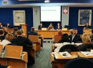Rada Miasta spotka się jeszcze w sierpniu. Obrady zdalne w czwartek
