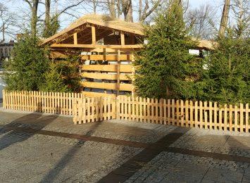 Bożonarodzeniowa szopka znów ozdabia Plac Biegańskiego