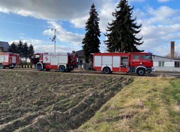Tykająca ekologiczna bomba w Lubojnie. Strażacy neutralizowali niebezpieczną substancję