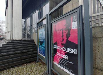 Zbigniew Zamachowski wokalnie umili tegoroczne obchody Dnia Kobiet w Częstochowie
