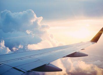 Branża lotnicza poszukuje stewardesy i stewardów