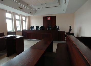 Za rozbój dokonany w Częstochowie odpowiedzą przed sądem w Lesznie