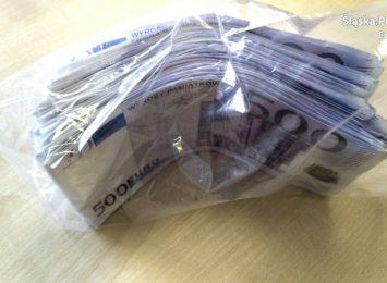 Pieniądze z gry planszowej chcieli wymienić w kantorze...