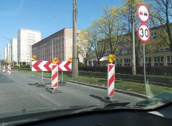 Uwaga kierowcy, pamiętajcie o utrudnieniach w alei Armii Krajowej!