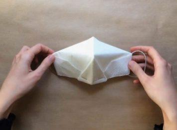 Maseczka bez szycia, maseczka jak origami [WIDEO]