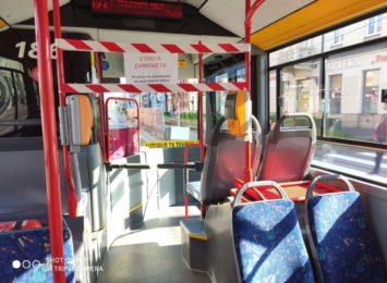 Nowe limity pasażerów w autobusach i tramwajach