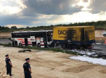 Pojawiły się nowe informacje w sprawie przyczyny wypadku drogowego w Bogusławicach na DK1