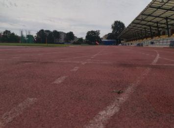 Bieg Godzinny już w niedzielę (04.10) na stadionie przy ulicy Dąbrowskiego