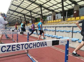 Stadion lekkoatletyczny przy ulicy Dąbrowskiego znowu tętni życiem
