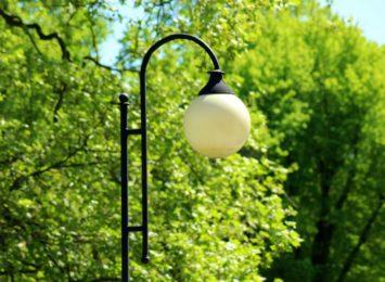 Czterdzieści nowych lamp na długości ok półtora kilometra rozświetli nam w Częstochowie ul. Mirowską