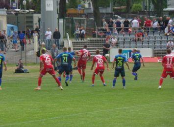 Piłkarze Rakowa i Skry zagrają dzisiaj (28.04) o ligowe punkty