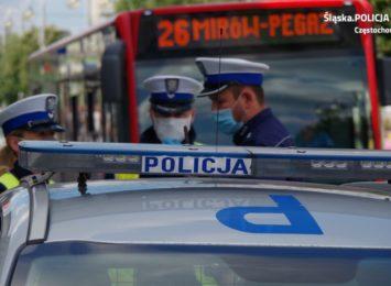 Policjanci w Częstochowie przeprowadzili kolejną prewencyjną akcję wśród pasażerów i kierowców MPK