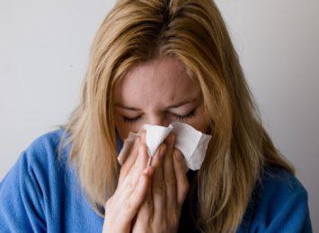Zachorowań na grypę dwa razy mniej niż rok temu