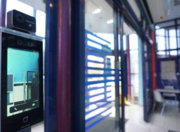 W częstochowskim magistracie stanęły profesjonalne terminale, służące do pomiaru temperatury