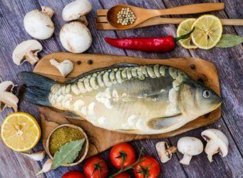 Na świecie mamy kilkadziesiąt tysięcy gatunków ryb. Dlaczego na wigilijnym stole pojawia się akurat karp?