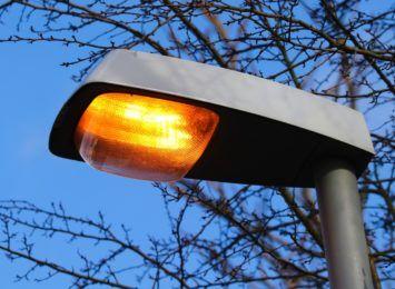 Co z doświetleniem ulicy Orzechowskiego? Interweniujemy w sprawie egipskich ciemności w centrum miasta