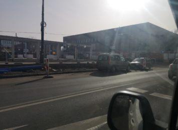 Kilka jednostek straży w centrum miasta, sygnalizują słuchacze