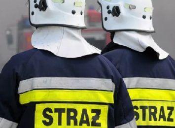 W Zawierciu zalało halę jednej z firm i uwięziło pracowników. Pomogli strażacy