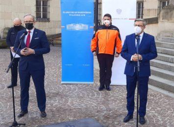 Pacjenci ze Śląska przewożeni LPR, pomoże wojsko, uruchomią ok 150 dodatkowych miejsc dziennie