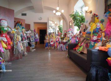 Muzeum odwołuje zimę, konkurs na marzannę rozstrzygnięty, przedszkolaki z nagrodami