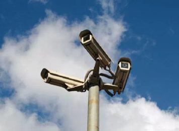 Kamery monitoringu dozorują już przebudowany Stary Rynek, naszpikowano nimi pawilon wystawowy, będą jeszcze nowości