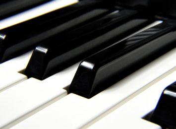 Częstochowski pianista ma szansę na Fryderyka, to druga nominacja do nagrody dla Michała Rota
