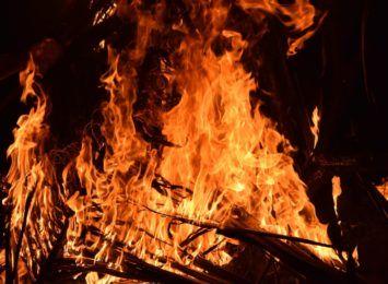 Celowe podpalenia nieużytków, każdego dnia dochodzi do wypalania traw
