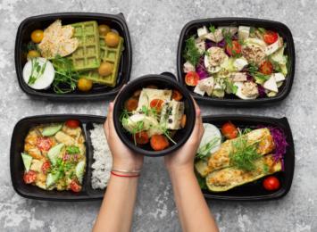Catering dietetyczny - dlaczego warto skorzystać z usług diety pudełkowej?