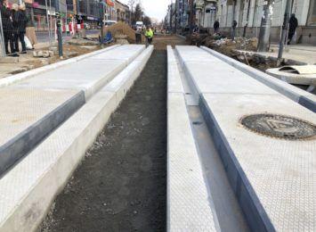 Kolejne utrudnienia wzdłuż przebudowywanej linii tramwajowej